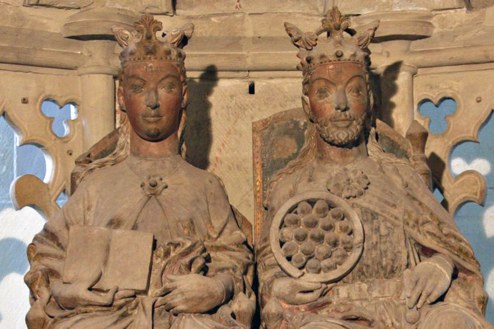 Otto the Great and his first wife, Editha, presiding on their throne in Magdeburg Cathedral. Source. Wikipedia